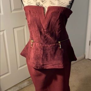 Venus dress burgundy strapless zipper up the back